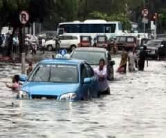 mobil rental solo selamat dari banjir