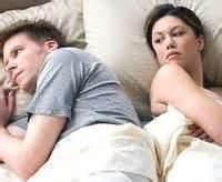 pria lemah di ranjang