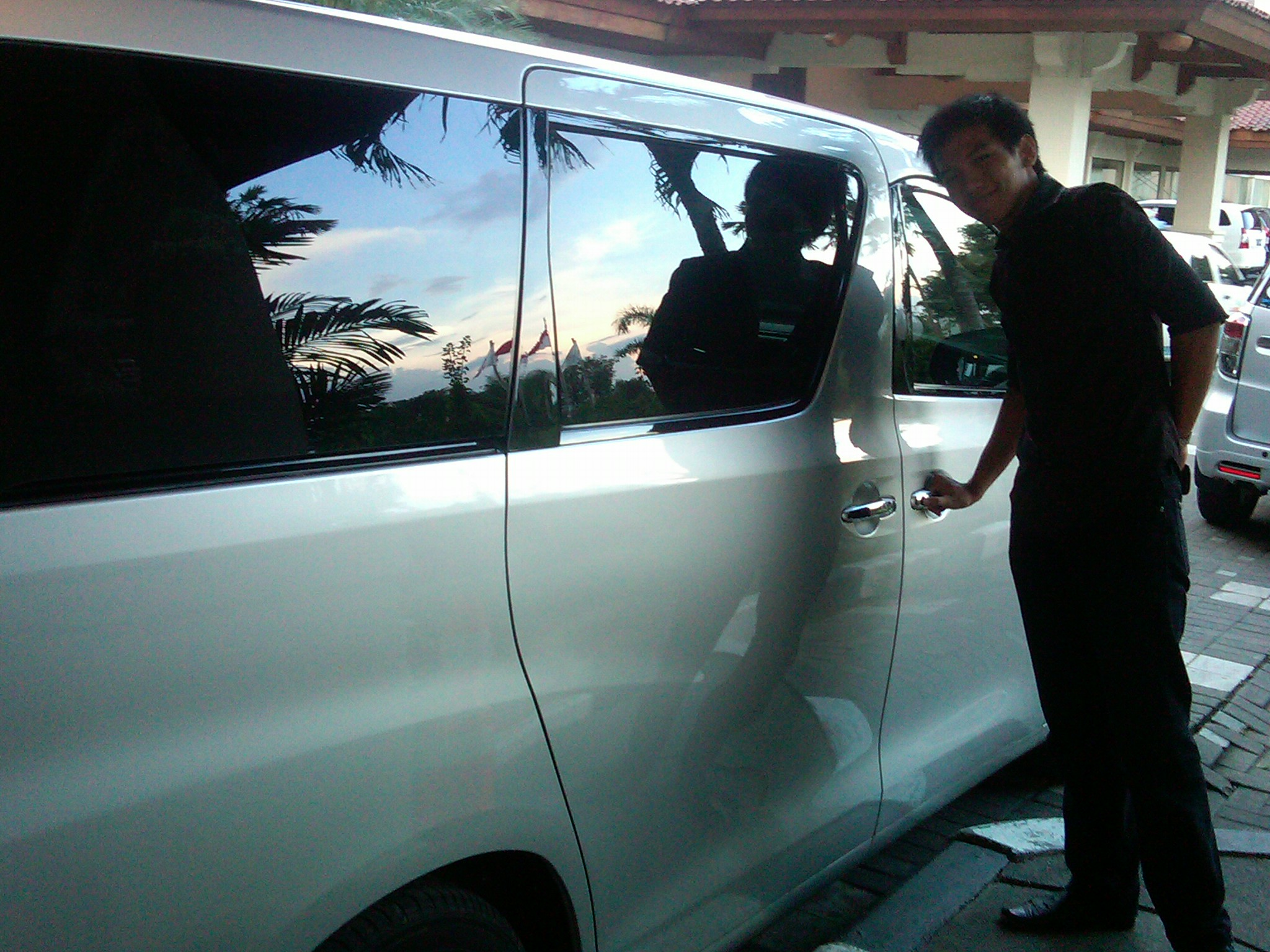 tempat rental mobil solo