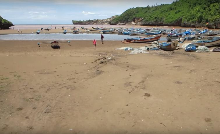 Obyek Wisata Jogja Pantai Baron
